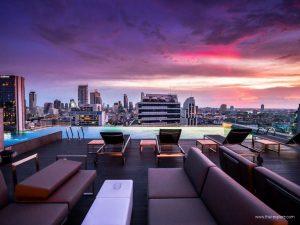 AkaAza Bar at Amara Bangkok Hotel